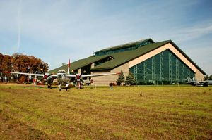Evergreen_Aviation_Museum_(Yamhill_County,_Oregon_scenic_images)_(yamDA0024)